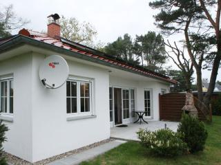 Vacation Home in Karlshagen - quiet, bright, spacious (# 4720) - Karlshagen vacation rentals