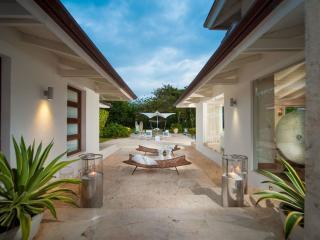 Walk to Minitas! Newly Renovated! LL71 - La Romana vacation rentals