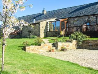 THE STABLE, pet friendly, character holiday cottage, with hot tub in Milton, Ref 3739 - Milton vacation rentals