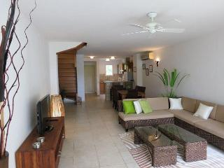 Beachfront Two Bedroom Condo in Orient Beach - Orient Bay vacation rentals