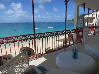 Modern Caribbean beachfront condo on Grand-Case Beach - Grand Case vacation rentals