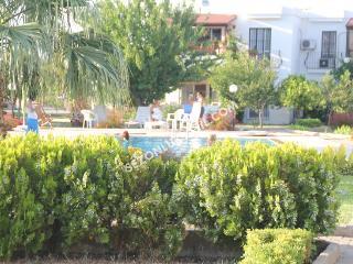Torba garden floor apart - Torba vacation rentals