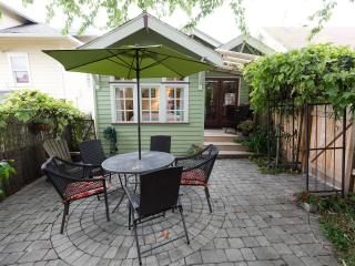 A BUNGALOW IN THE CITY'S BEST NEIGHBORHOOD - Seattle vacation rentals
