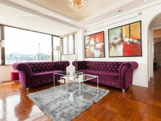 SHOWTIME! SUPERB XXL HARBOR VIEW MTR CLEAN FAMILY - Hong Kong vacation rentals