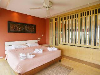 2 bedroom w/fantastic River view in Chiang Mai - Chiang Mai vacation rentals