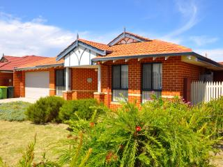 Cannington Home Accommodation House 2 (Free WiFi) - Cannington vacation rentals