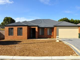 Cannington Home Accommodation House 5 (Free WiFi) - Cannington vacation rentals