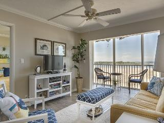 Castle Beach 402, Gulf Front, Elevator, Heated Pool, Sleeps 6, Newly Updated - Fort Myers Beach vacation rentals