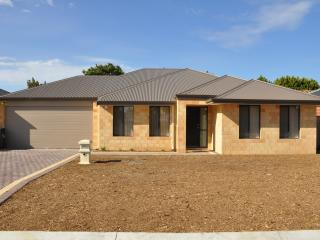 Cannington Home Accommodation House 6 (Free WiFi) - Cannington vacation rentals