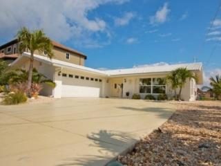 Royal Palm Drive - Boater's Paradise and Spring Training Baseball Headquarters - Bradenton vacation rentals
