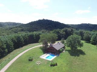 Hocking Hills Hilltop Lodge Rental - Laurelville vacation rentals