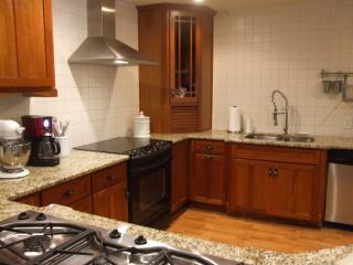 Casa Bella Guest Cottage - Newnan vacation rentals