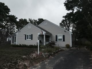House Near Kelley's Pond and West Dennis Beach - West Dennis vacation rentals