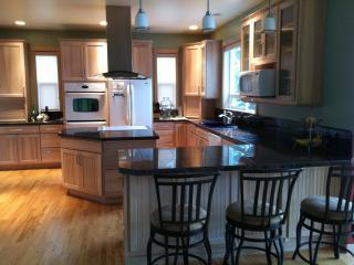 Bluff home, Hood River views - White Salmon vacation rentals
