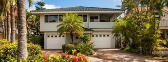 exterior - Daydream Believer, Spacious 4-bedroom home in Poipu, lovely yard, lanai with BBQ, short walk to beaches. Sleeps 15 - Poipu - rentals