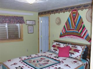 Intriguing Dessert Room in Kin Mountain B&B - Moore vacation rentals