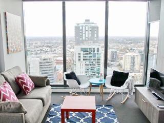 Sea View 2 Bedroom 2 Bathroom Luxury CBD Apartment - Melbourne vacation rentals