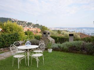 Studio in villa: verde e mare a 10 min da Trieste - Trieste vacation rentals