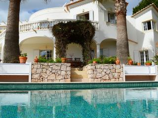 4 bedroom luxury villa with hot tub & heated pool - Budens vacation rentals