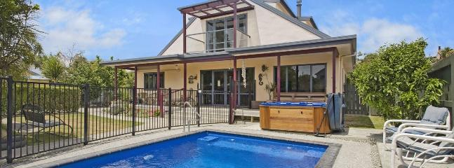 Monaco Holiday House Nelson - Swimming Pool & Spa Pool! - Nelson vacation rentals