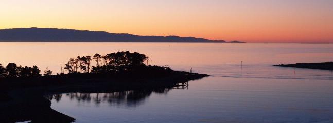 Haulashore Views Nelson Waterfront Holiday Home - Nelson vacation rentals
