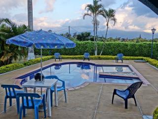 Eje Cafetero Finca para Disfrutar y Relajar 0243 - Calarca vacation rentals