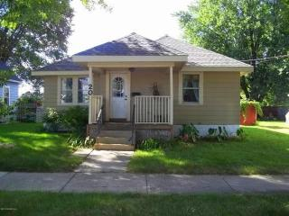 Silver Lake House - 2 Miles from Mayo! - Rochester vacation rentals