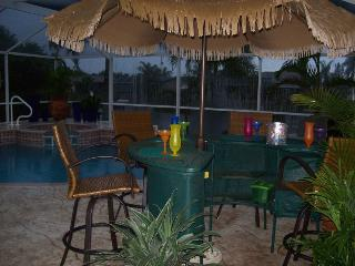 Villa Sharan - SE Cape Coral 3b/2ba Electric Heated Pool/Spa Fresh water Canal, HS Internet, - Cape Coral vacation rentals