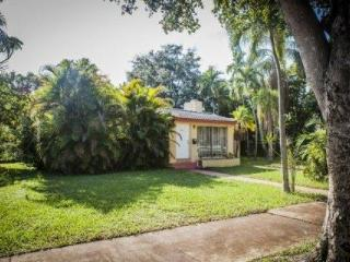 Beautiful 4/2 Miami Home with Pool - Mins from Miami Beach**Newly Discounted!!** - Miami vacation rentals