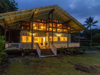 Luxury 2 bedroom beachfront house on Hana Bay - Hana vacation rentals