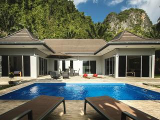 Eden Villas Krabi 1 Thailand- Free car hire - Khao Thong vacation rentals