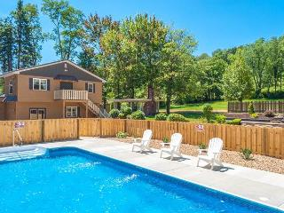 Beautiful 5 Bedroom home featuring a Pool & Hot Tub!  10 minutes to Ohiopyle! - Farmington vacation rentals