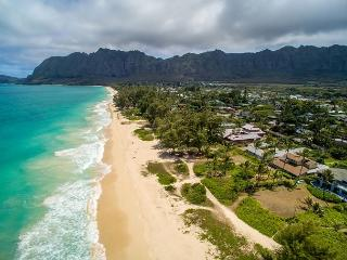 Fall Special $495! Four bedroom with hot tub on spectacular Waimanalo beach - Waimanalo vacation rentals
