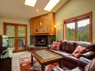 2BRA/2BA Main St. Frisco Rental with Creekside Balcony, Mountain Views - Frisco vacation rentals