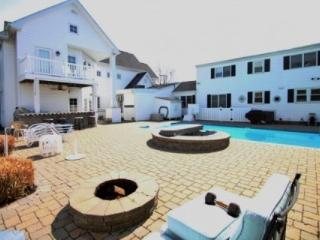 8+BR w/Pool, Sleeps 22, Three Blocks from the Beach. - Rehoboth Beach vacation rentals