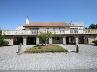 Sleeps 12 Less Than 100 Yards to the Beach - Bethany Beach vacation rentals