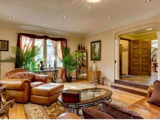 Elegant,Lovely With Strikingly Beautiful Design - Detroit vacation rentals