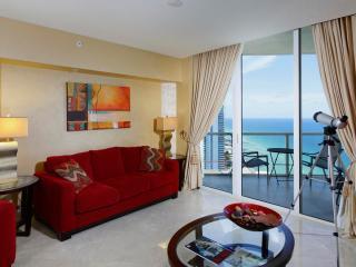 Cozy 1 Bedroom Oceanfront Apartment in Sunny Isles - Miami vacation rentals