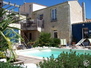 2 bedrooms Terrace, swimming pool with character - Saint-Georges d'Oleron vacation rentals