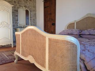 Gorgeous spacious Violetta Suite in Villa Bergolo - Bergolo vacation rentals
