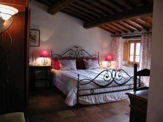 Papavero - Ventena Vecchia Antico Frantoio - Moncioni vacation rentals