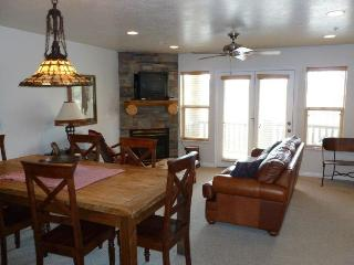 Deluxe 3 BR condo with a rear walkout directly to the hot tub - Eden vacation rentals