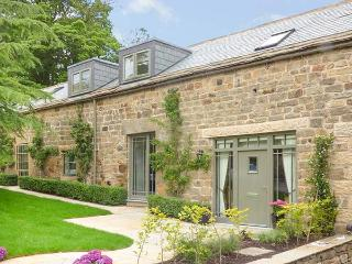 THE OLD STABLES, character barn conversion, en-suite, country views, in Ashover, Ref. 927574 - Ashover vacation rentals