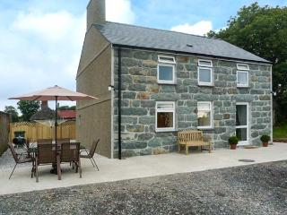 PRYS MAWR, pet welcome, en-suites, WiFi, close to the coast, Criccieth, Ref. 927633 - Criccieth vacation rentals