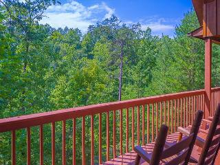 October Special from $119!!! 3 BR Pigeon Forge Cabin near Dollywood. - Sevierville vacation rentals