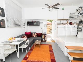 Venice Beach studio, great location, great price - Los Angeles vacation rentals