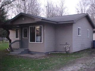 Keet's Cozy Cottage - Houghton Lake vacation rentals