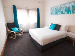 Short Stops - The Murdoch - Wangaratta vacation rentals