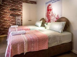 REG1P, Regal Place, East Perth, Perth - Perth vacation rentals