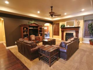Gorgeous One-Level Designer Home-Great Furnishings - Saint George vacation rentals